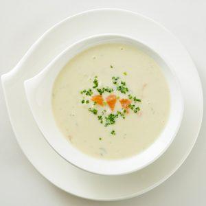 ポテトとスモークサーモンのクリームスープ(温製)