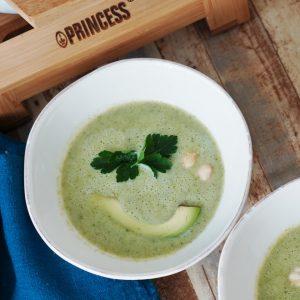 ブロッコリーとココナッツミルクのスープ