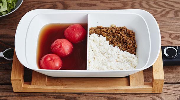 丸ごとトマトの出汁スープとタコライス